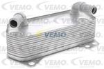 Chłodnica oleju silnikowego VEMO V10-60-0008 VEMO V10-60-0008
